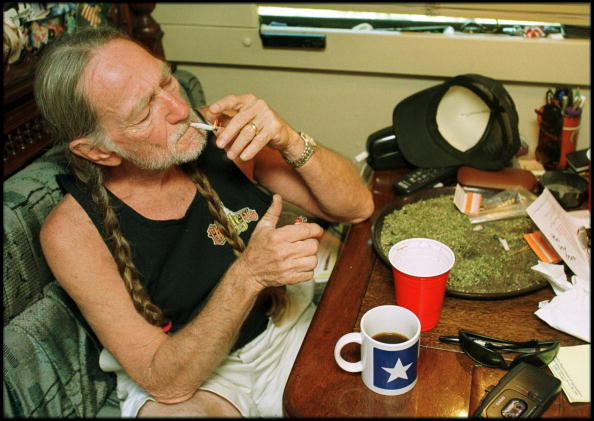 Smoking - Activity「Willie Nelson At Home In Texas」:写真・画像(5)[壁紙.com]