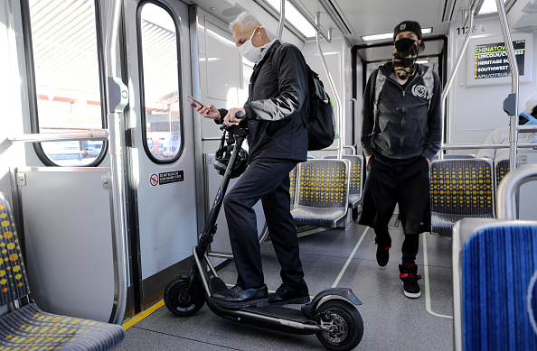 Transportation「Los Angeles Metro System Sees 70 Percent Drop In Ridership Due To Coronavirus」:写真・画像(9)[壁紙.com]