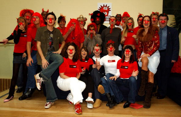 Red Nose Day「Launch of UK Comic Relief Red Nose Day 2003」:写真・画像(1)[壁紙.com]