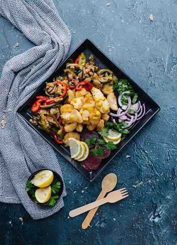 Vinaigrette Dressing「Chicken meat with vegetable in bowl stir fry」:スマホ壁紙(7)