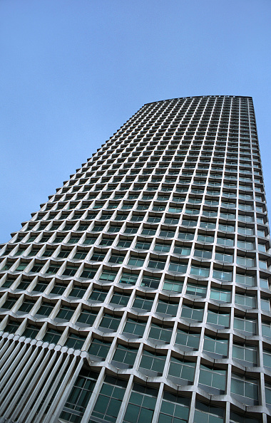 Urban Skyline「Centrepoint skyscraper from below, Central London」:写真・画像(12)[壁紙.com]