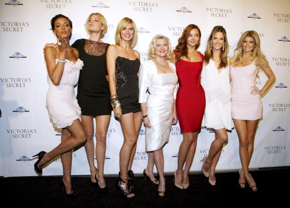 ミランダ・カー「Cocktail Party For New Victoria Secret Lexington Avenue Flagship Store」:写真・画像(14)[壁紙.com]