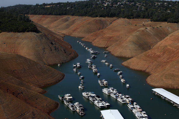 Sequential Series「Statewide Drought Takes Toll On California's Lake Oroville Water Level」:写真・画像(13)[壁紙.com]