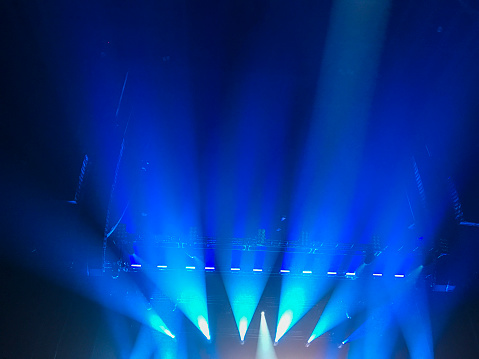 Glowing「Simple and generic blue show lights, as often used for all kinds of artistic performances.」:スマホ壁紙(7)