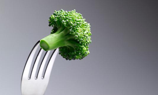 Silverware「Broccoli Floret on a fork」:スマホ壁紙(12)