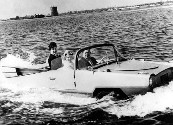 Bizarre Vehicle「The Amphicar」:写真・画像(13)[壁紙.com]
