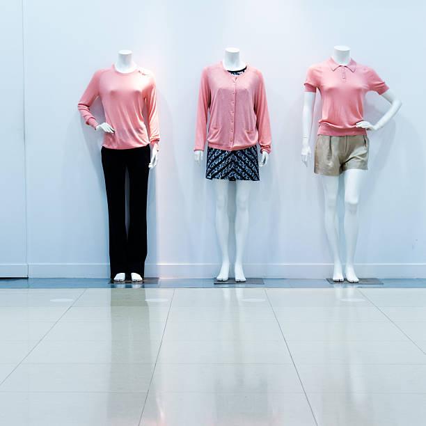 fashion on window model:スマホ壁紙(壁紙.com)