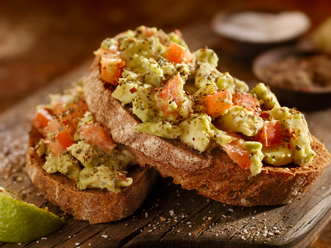 Mash - Food State「Avocado Toast with Tomatoes on Rye Bread」:スマホ壁紙(12)