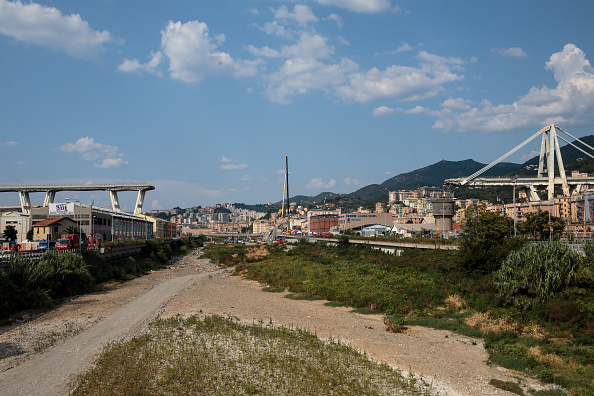 Bridge - Built Structure「Aftermath Of The Morandi Bridge Collapse in Genoa」:写真・画像(14)[壁紙.com]