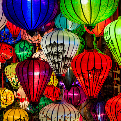 Gift Shop「Traditional silk hanging lanterns in Hoi An city, Vietnam」:スマホ壁紙(4)