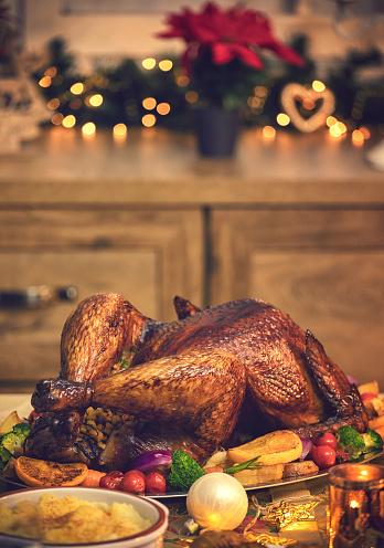 Stuffed Turkey「Traditional Stuffed Christmas Turkey with Side Dishes」:スマホ壁紙(12)