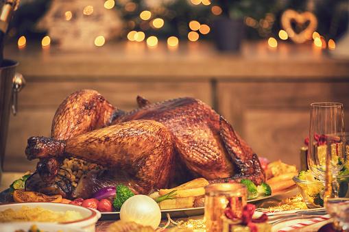 Stuffed Turkey「Traditional Stuffed Christmas Turkey with Side Dishes」:スマホ壁紙(3)
