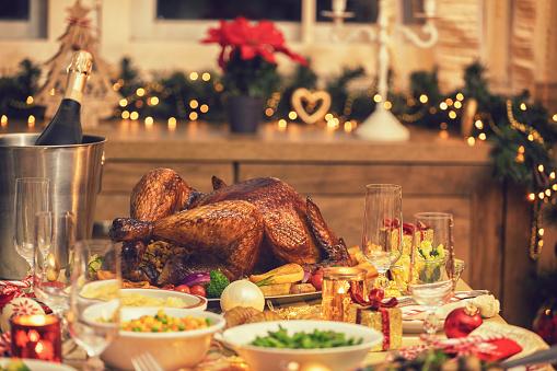 Stuffed Turkey「Traditional Stuffed Christmas Turkey with Side Dishes」:スマホ壁紙(7)