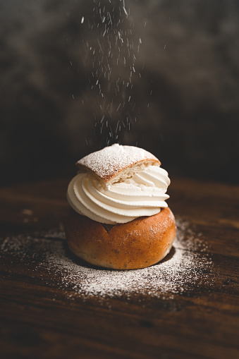 Cream - Dairy Product「Traditional Swedish dessert Semla with whipped cream and sugar」:スマホ壁紙(17)