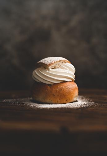Sweet Food「Traditional Swedish dessert Semla with whipped cream and sugar」:スマホ壁紙(8)