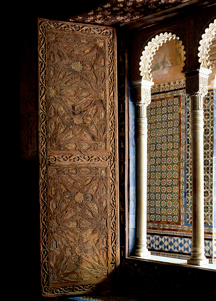 Casa De Pilatos「Traditional window with pillars」:写真・画像(8)[壁紙.com]