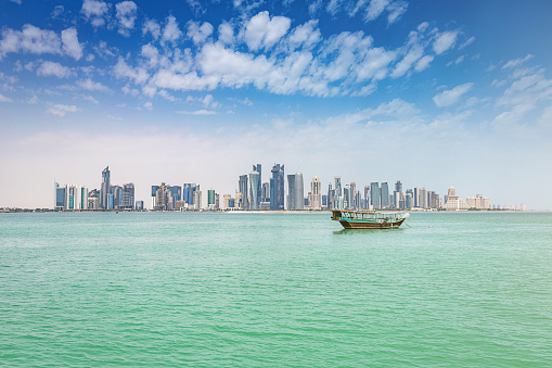 Arabian Sea「Traditional Dhow Modern Doha Skyline Qatar」:スマホ壁紙(0)