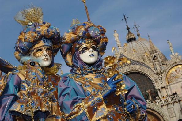 Cultures「ITA: Venetians Celebrate Carnival In Style」:写真・画像(0)[壁紙.com]