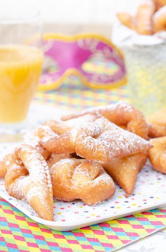 Crunchy「Traditional Bugnes Lyonnaises donuts served for Mardi Gras」:スマホ壁紙(1)