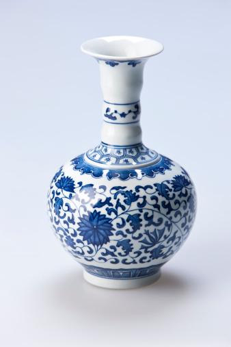Porcelain「Traditional Chinese blue and white porcelain vase」:スマホ壁紙(11)