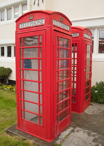Port Stanley - Falkland Islands「Traditional red phone booths, Stanley, Falkland Islands」:スマホ壁紙(18)