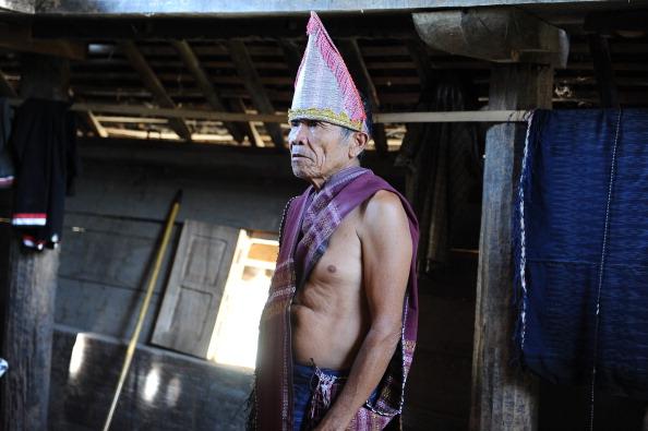 Tradition「Indonesia's Oldest Traditional Batak Dance Group Perform On Samosir Island」:写真・画像(18)[壁紙.com]