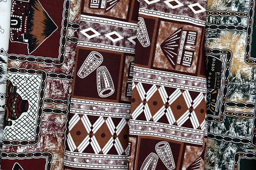 Tradition「Traditional African mud cloth for sale at Gods Window, a popular tourist spot in South Africas Mpumalanga province.」:スマホ壁紙(3)