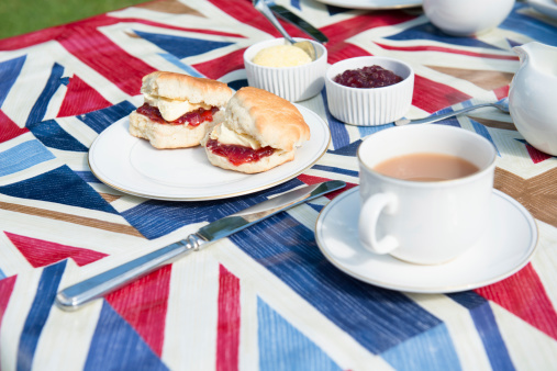 Silverware「Traditional English tea on patriotic tablecloth」:スマホ壁紙(0)
