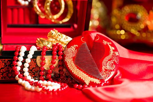 恋愛運「Traditional Chinese wedding elements」:スマホ壁紙(18)
