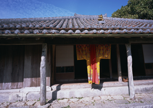 Okinawa Prefecture「Traditional Okinawa house and clothes」:スマホ壁紙(6)