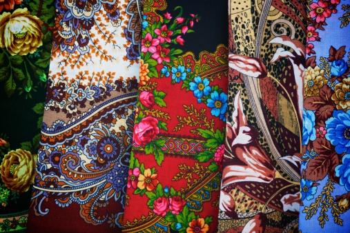 スカーフ「伝統的な scialles」:スマホ壁紙(8)