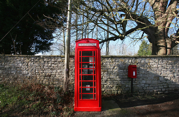 Red「Traditional Telephone Box Use Has Halved in Three Years」:写真・画像(12)[壁紙.com]