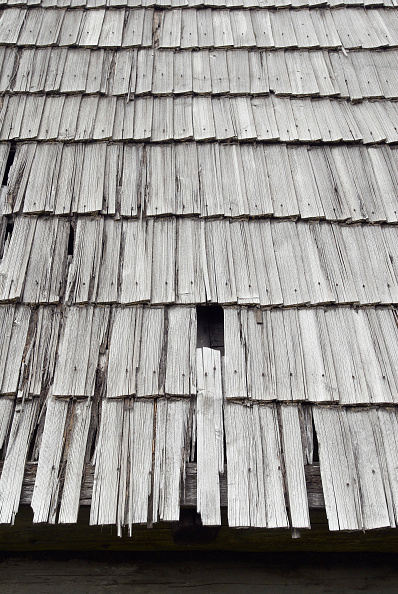 Tradition「Traditional wood shingle roof, Slovakia」:写真・画像(14)[壁紙.com]