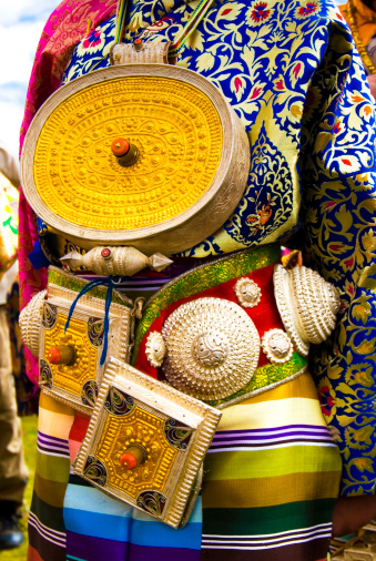 Yellow Dress「Traditional dresses for horse festival.」:スマホ壁紙(4)