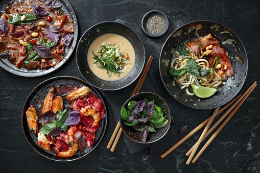 Vietnamese Cuisine「Traditional Asian Dishes for Family Dinner.」:スマホ壁紙(13)