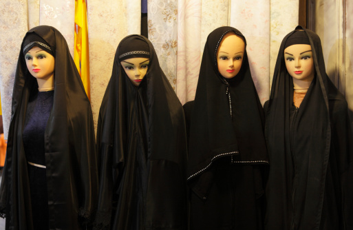 Iranian Culture「Traditional black chador on sale in a souk」:スマホ壁紙(0)