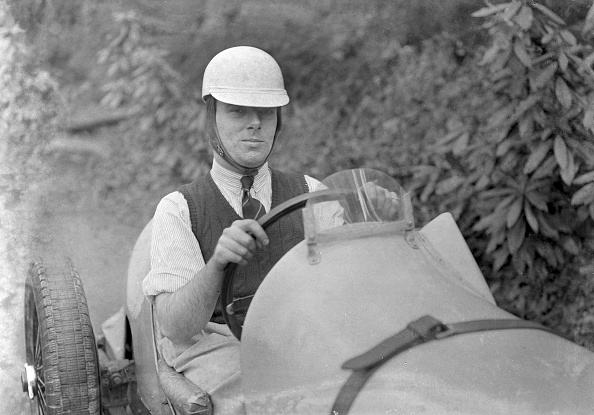 Rolled-Up Sleeves「Charles Mortimer behind the wheel of an offset-bodied single-seater MG KN Special, c1930s」:写真・画像(0)[壁紙.com]