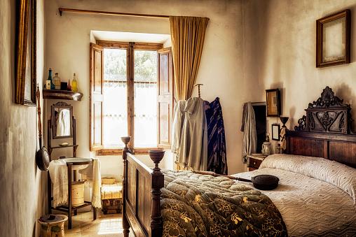 Antique「Ancient majorcan bedroom」:スマホ壁紙(4)