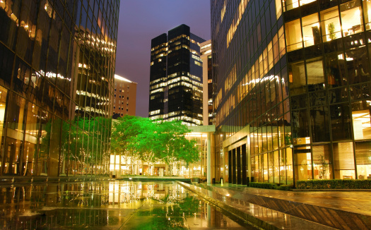 Town Square「Town square with reflecting lights after rain」:スマホ壁紙(12)