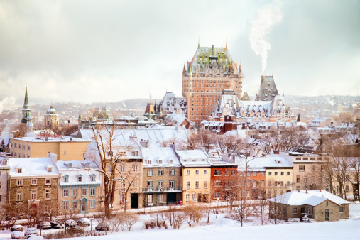 Quebec「Quebec City Winter Skyline with Chateau Frontenac」:スマホ壁紙(13)