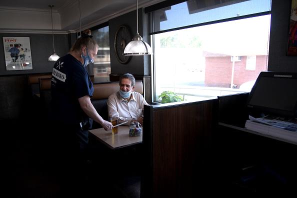 Dining「New Jersey Diner Reopens For Inside Dining」:写真・画像(13)[壁紙.com]
