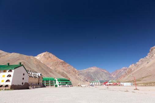 Mount Aconcagua「Los Penitentes ski resort in summer」:スマホ壁紙(18)