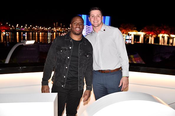 Streamer「Twitch Rivals: Streamer Bowl After Party At Verizon 5G Stadium At Super Bowl LIVE」:写真・画像(9)[壁紙.com]