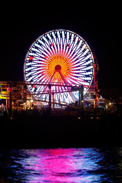 Ferris Wheel「New Solar Powered Ferris Wheel Debuts On Santa Monica Pier」:写真・画像(14)[壁紙.com]
