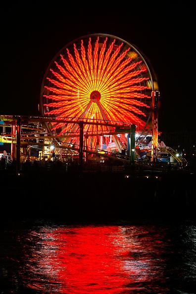 Ferris Wheel「New Solar Powered Ferris Wheel Debuts On Santa Monica Pier」:写真・画像(15)[壁紙.com]