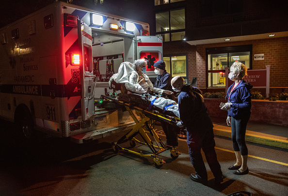Stamford - Connecticut「Tri-State EMS Workers Confront Growing Number Of Coronavirus Cases」:写真・画像(3)[壁紙.com]