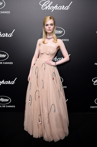 Elle Fanning「Official Trophee Chopard Dinner - Photocall - The 72nd Cannes International Film Festival」:写真・画像(0)[壁紙.com]