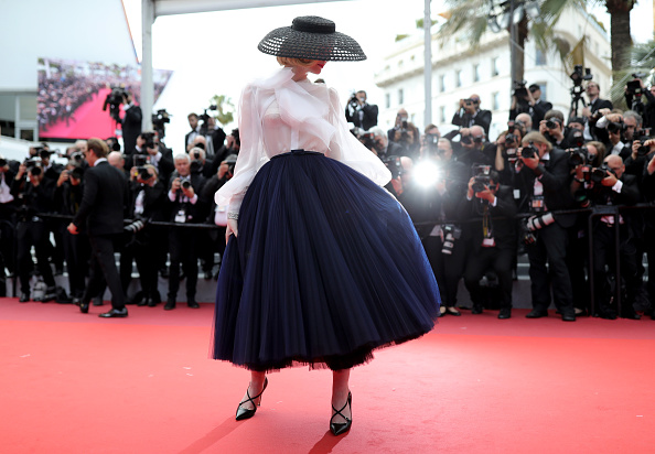 "Elle Fanning「""Once Upon A Time In Hollywood"" Red Carpet - The 72nd Annual Cannes Film Festival」:写真・画像(19)[壁紙.com]"