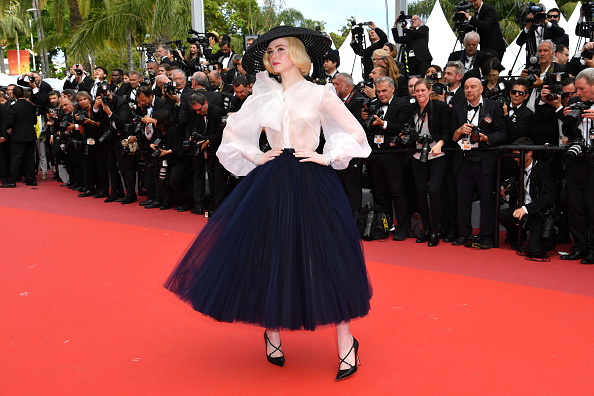 "Elle Fanning「""Once Upon A Time In Hollywood"" Red Carpet - The 72nd Annual Cannes Film Festival」:写真・画像(14)[壁紙.com]"