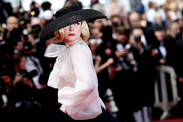 "Elle Fanning「""Once Upon A Time In Hollywood"" Red Carpet - The 72nd Annual Cannes Film Festival」:写真・画像(18)[壁紙.com]"